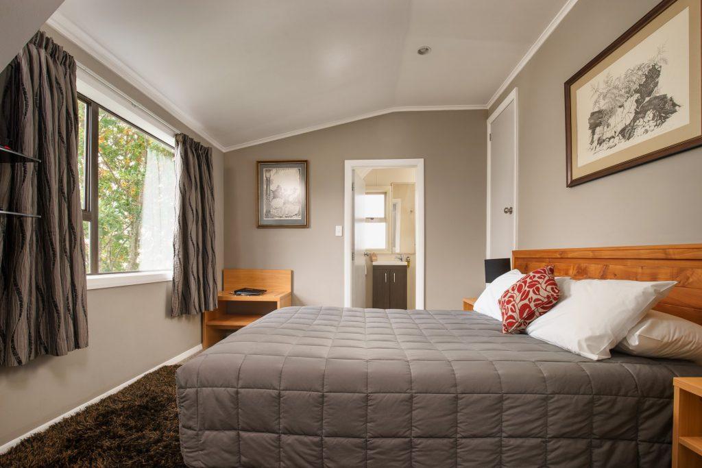 Plateau Lodge tongariro double ensuite room