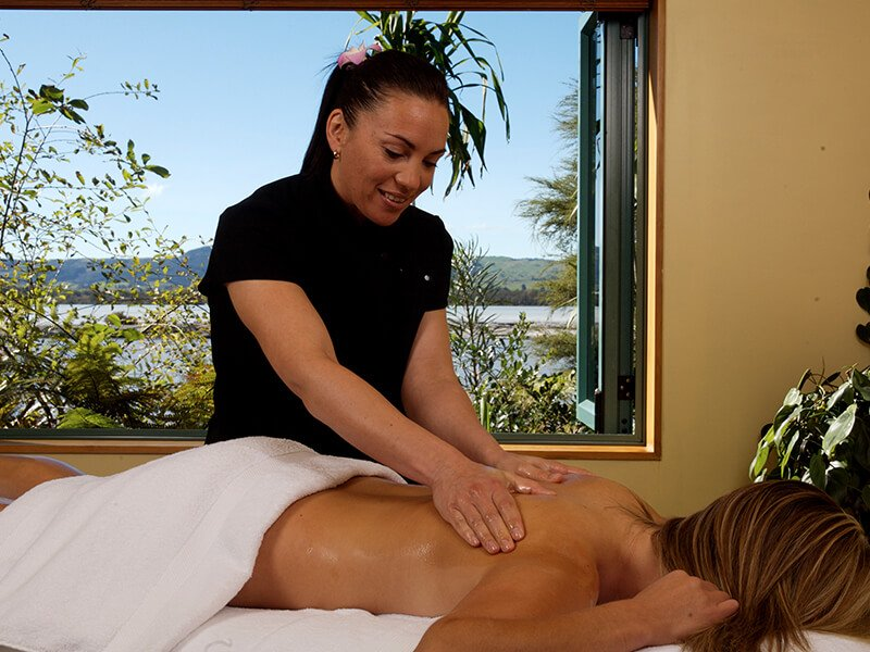 massage at Polynesian Spa on a relaxing Rotorua spa weekend